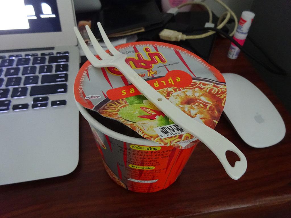 ついに!タイで購入していたカップラーメンを食す!!